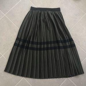 Zara pleated olive army green skirt black stripe s